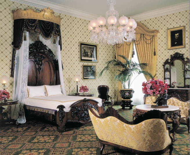 The Lincoln Bedroom Refurbishing A Famous White House Room White House Rooms White House Interior Inside The White House