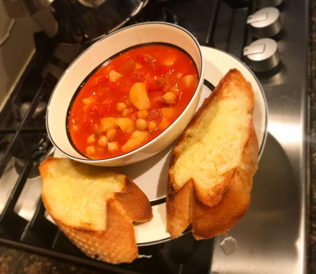 Tomato and vegetable soup with homemade cheesy garlic bread 🍅🥖🥕🧀 - -