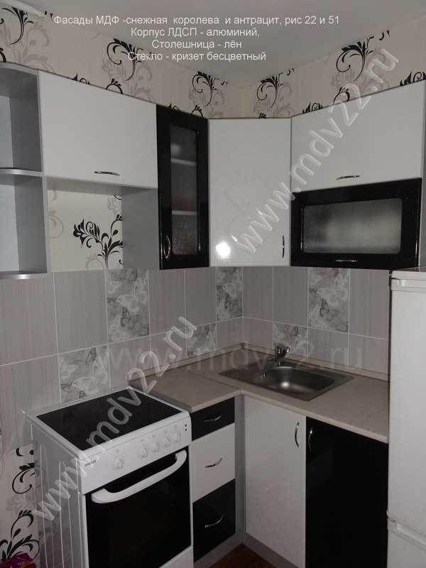 маленькая черно белая кухня в хрущевке кухни