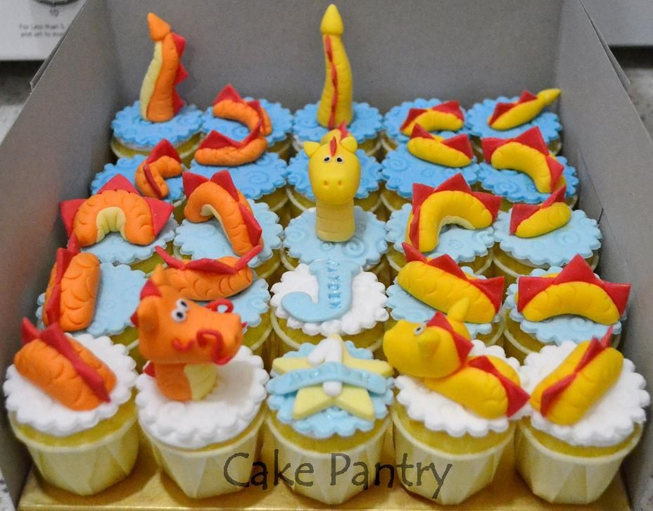 Dragon Cupcake Cake Its Appreciate a Dragon Day Pinterest