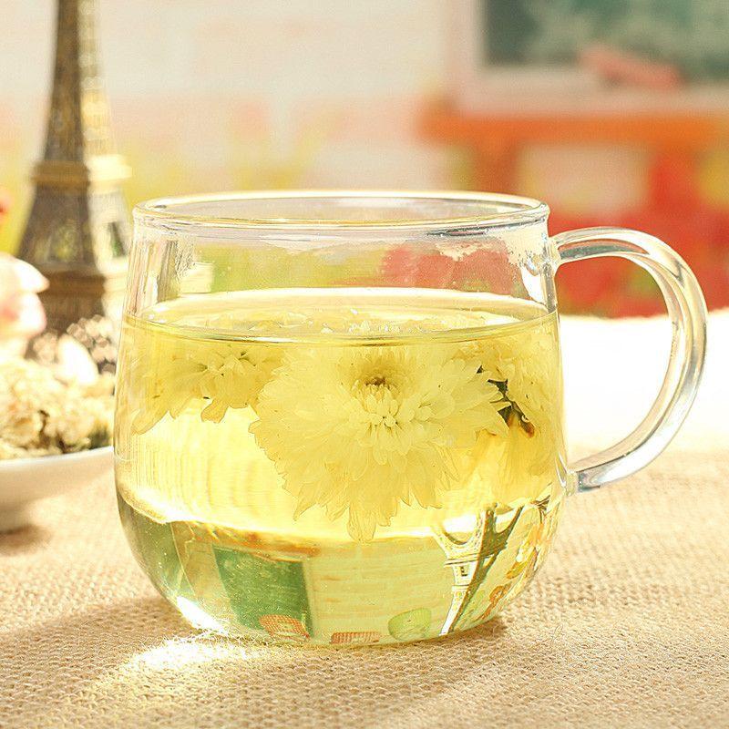 white chrysanthemum flower tea