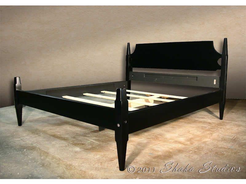 Best Primitive Black Queen Waverly Short Post Bed By 400 x 300