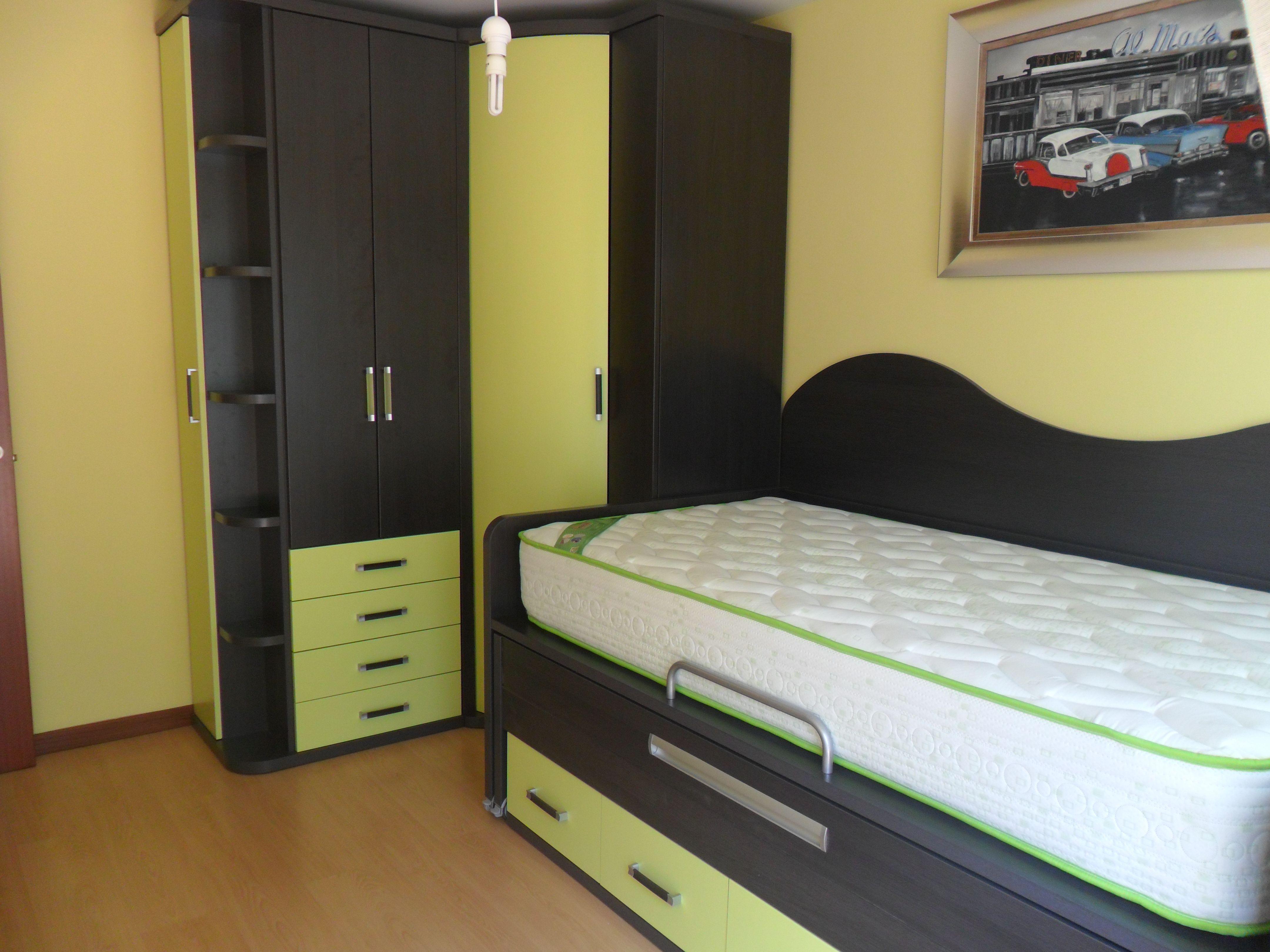 Impresionante montaje de cama compacta con cama for Cama compacta con cajones