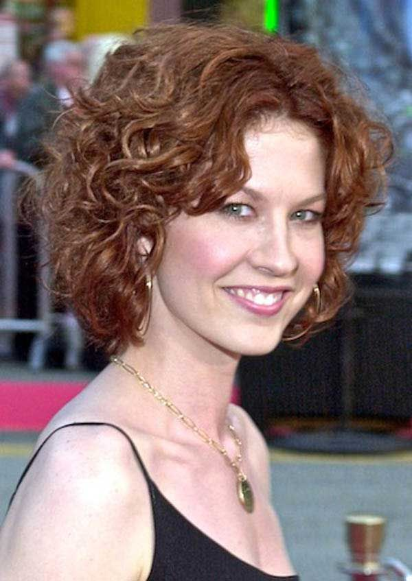 25 Best Curly Short Hairstyles For Round Faces Pinterest Curly