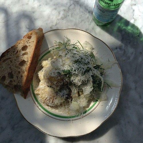 Torsk, nye kartofler, parmesan og sorte oliven! Brandade #atelierseptember #platdujour by atelierseptember http://ift.tt/1iMvKFB