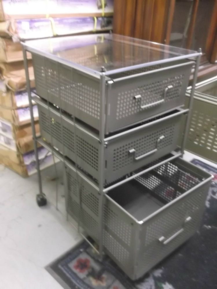 New Studio Rta 3 Drawer See Through Glass Top Rolling