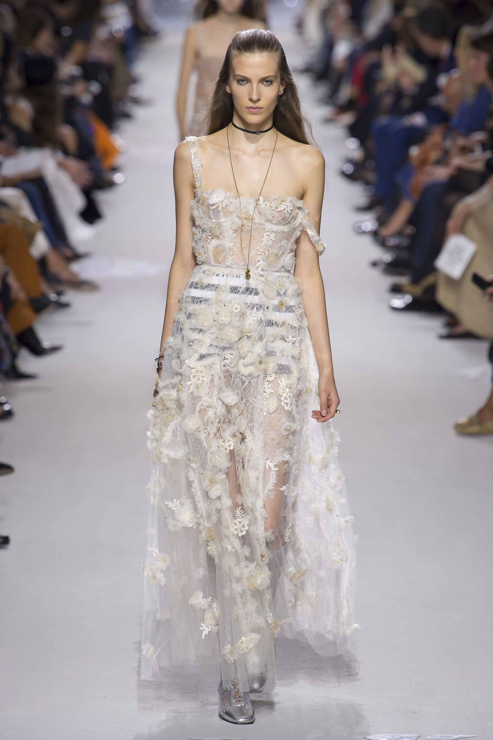1ed06df1906 Christian Dior Spring 2018 Ready-to-Wear Collection Photos - Vogue Christian  Dior