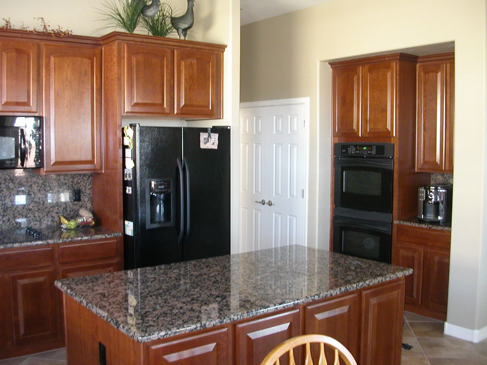 kitchen remodel with black appliances my favorite appliance have been white because with on kitchen remodel appliances id=88127