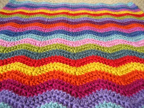 Ripple pattern crochet blanket - excellent tutorial and pattern