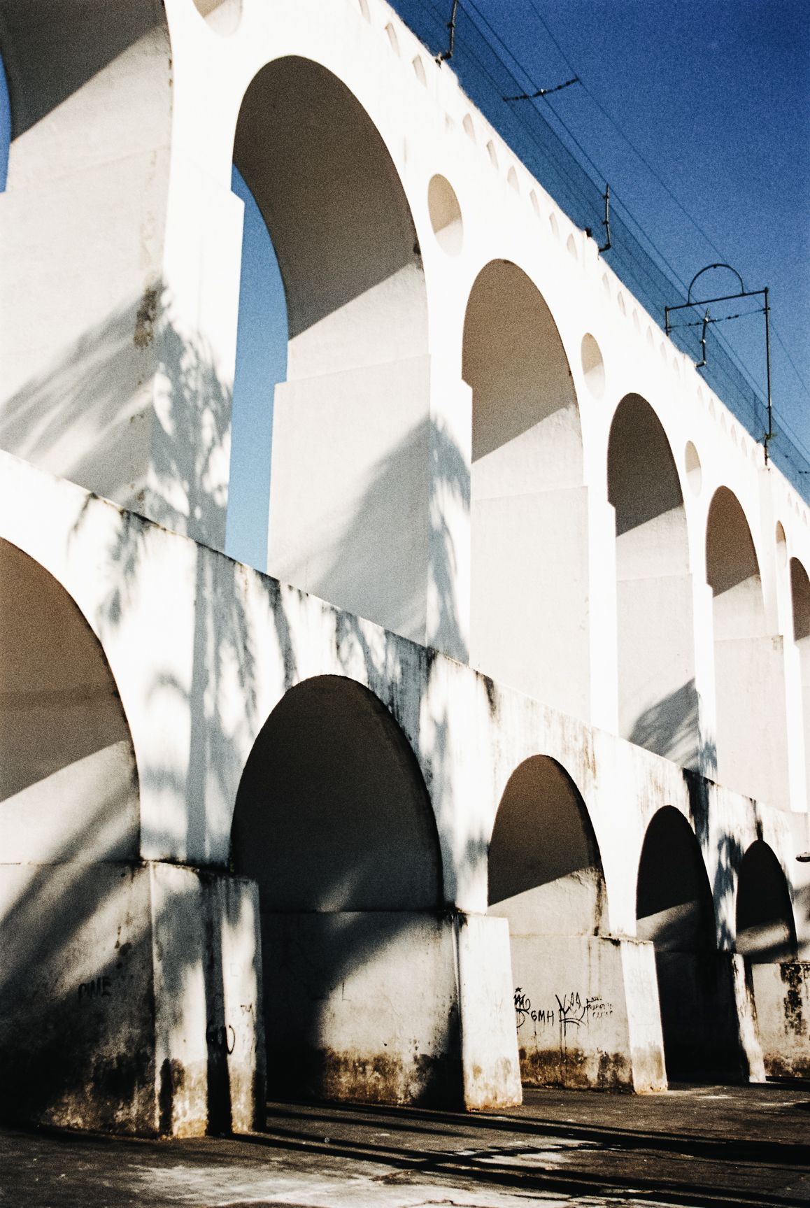 _ L'ombre Avril 2016 Rio de Janeiro Canon AE1 Film // PORTRA 400 Images développées et scannées par Carmencita Film Lab Photographie : Line Brusegan