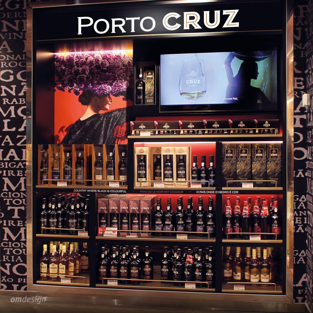 Loja franca Porto Cruz (2019)  #Omdesign #Design #Portugal #LeçadaPalmeira #Since1998 #AwardedAgency #DesignAwards #SpatialDesign #Shop #Airport #OportoAirport #Airportshopping #Porto #Oporto #PortoCruz #VinhodoPorto #PortWine #IVDP #VinhosPortugueses #PortugueseWines