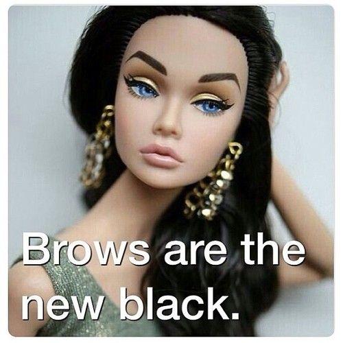 Näyttävät kulmakarvat ovat muotia, eikä loppua villitykselle näy! | Thick and dramatic brows are still in and nowhere near of going out of style #quote #beauty
