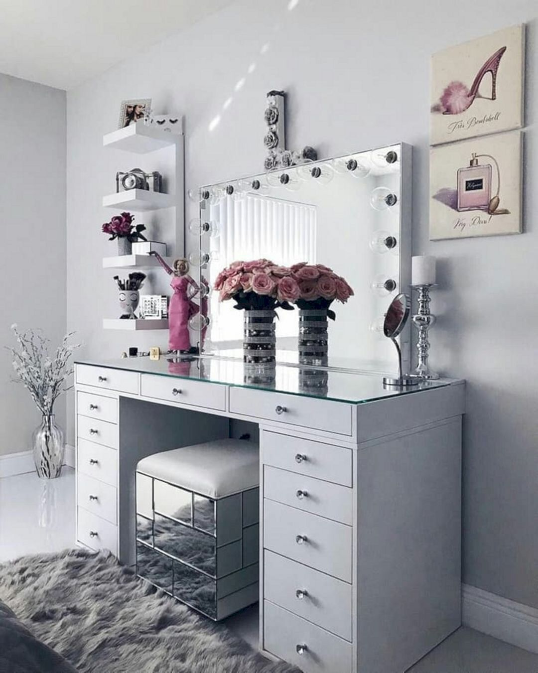 15 Impressive Diy Makeup Vanity Decoration Ideas That You Will Love It In 2020 With Images Vanity Decor Bedroom Vanity Glam Room