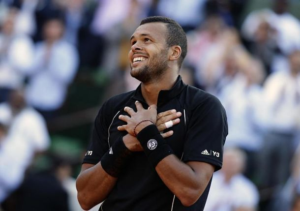 Tsonga Feeds the French Heart in Paris. Read about it at Tennis Now.