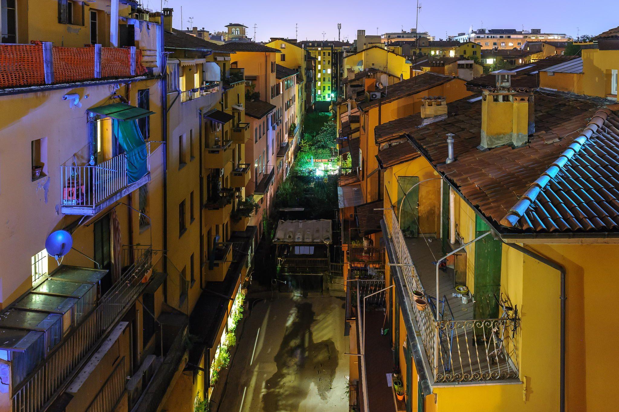 Bologna canal by damien tachoires on 500px bologne bologna italie italia italy pinterest - Bologna finestra sul canale ...