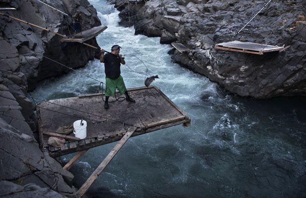 Dip-net fishing in the Klickitat River