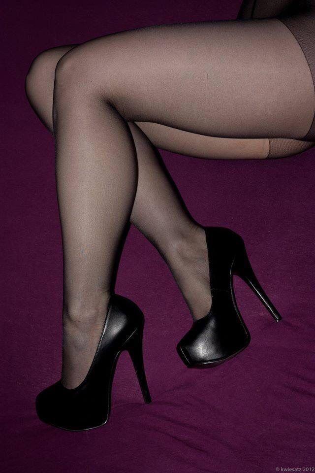 Women share pantyhose