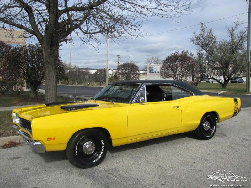 Superb 68\' Dodge SuperBee in Top Banana. | Mostly Mopar Muscle ...