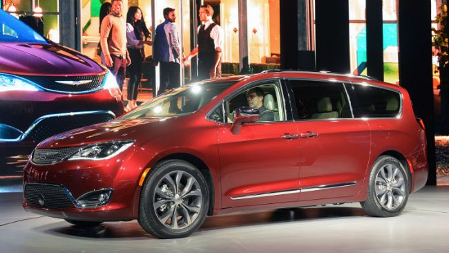 Chrysler Pacifica is the featured model. The Chrysler Pacifica 2016 image is added in car pictures category by author on Jan 10, 2017.