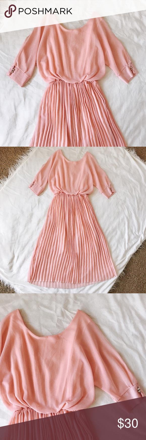 Vintage poppy dress beautiful pink vintage dress featuring figure