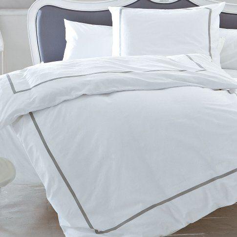 bettw sche in wei mit grauem rand gingar wohnen schlafzimmer traum saison f rs. Black Bedroom Furniture Sets. Home Design Ideas