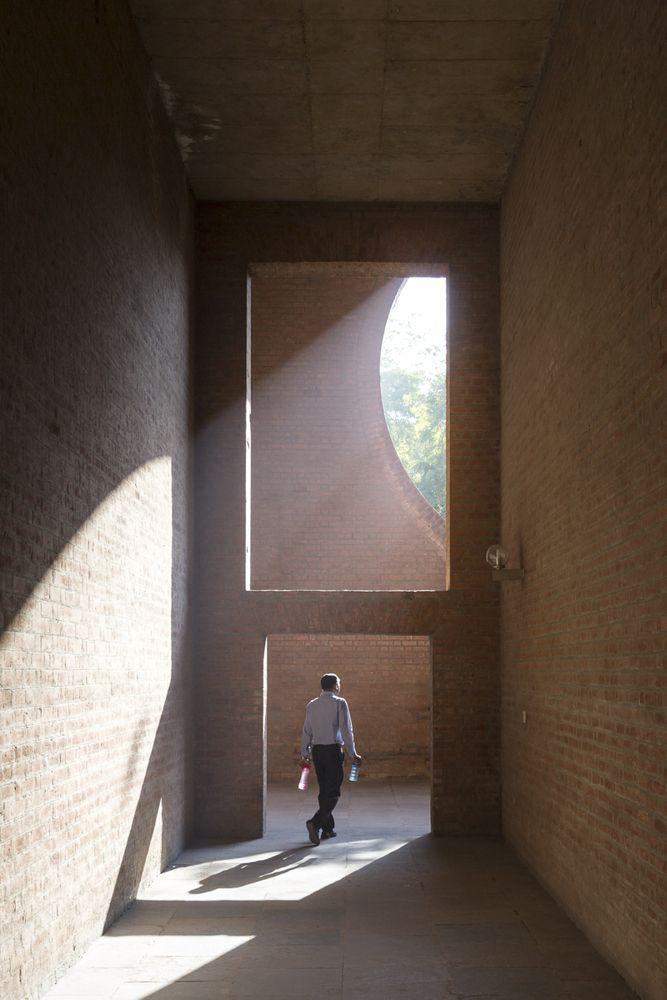 Galería de El legado de Louis Kahn en Ahmedabad bajo el lente de Laurian Ghinitoiu - 21