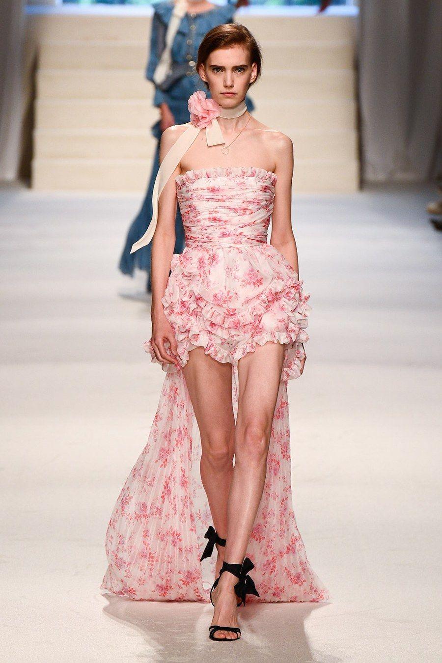 Philosophy Di Lorenzo Serafini Spring 2020 Ready To Wear Fashion Show Fashion Fashion Show Womens Fashion Edgy