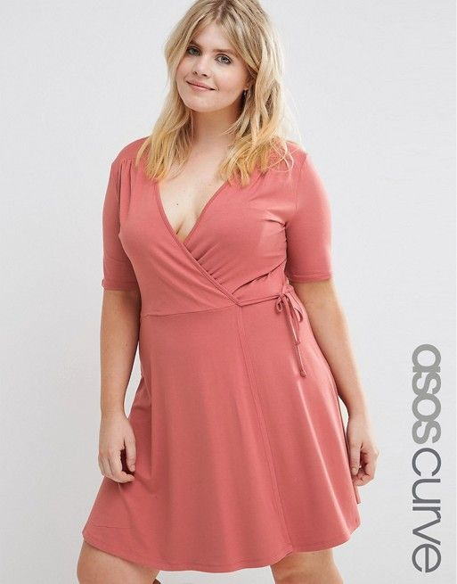 This is more like the dress I have, only mine has no side tie ...