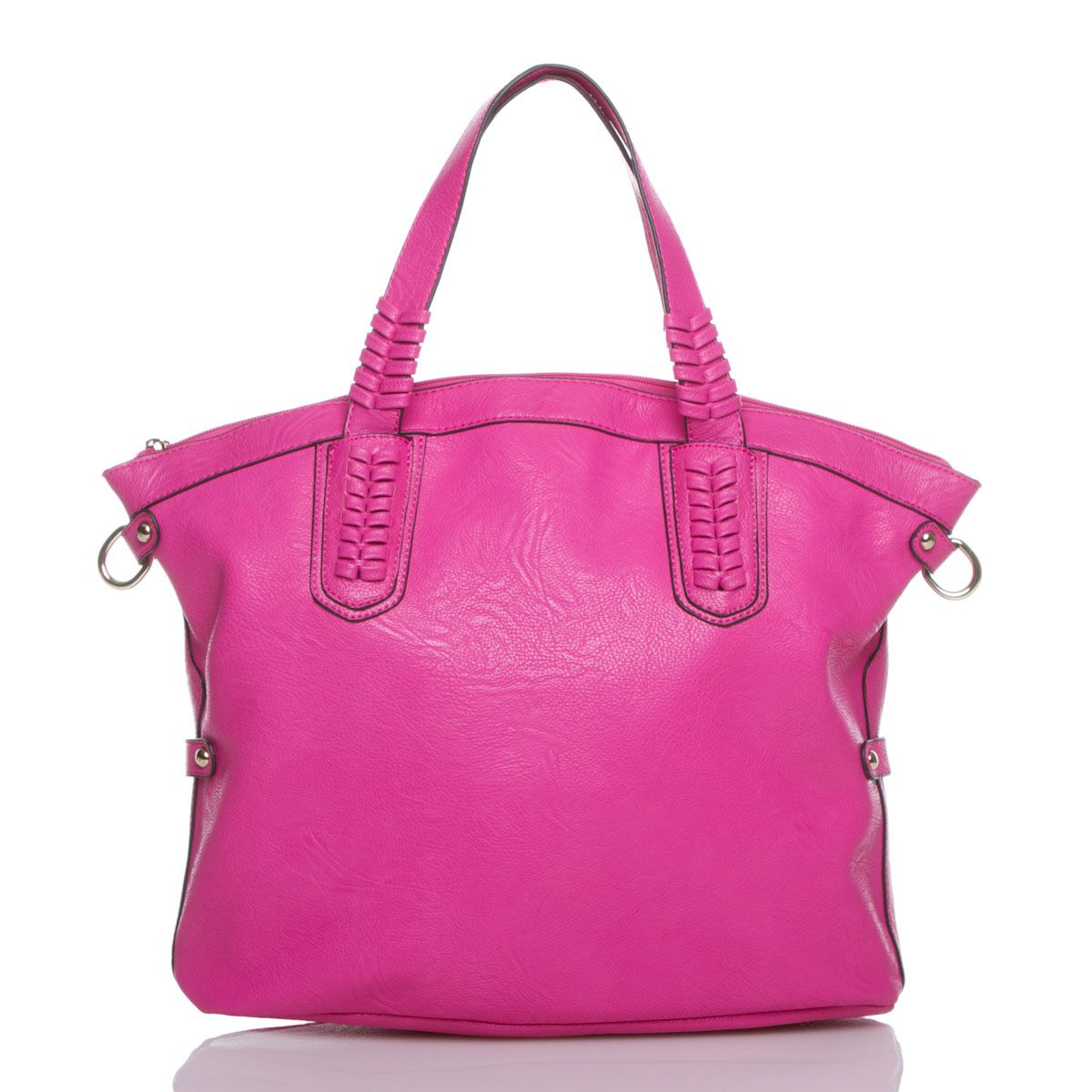 I'm thinking this would be a good bag to travel with this summer!