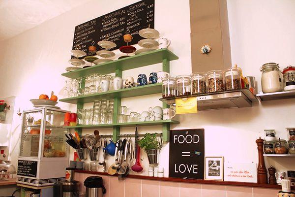 ZIMTZICKE – CAFÉ & WOHNZIMMER Elsässer Straße 25 www.cafe-zimtzicke ...