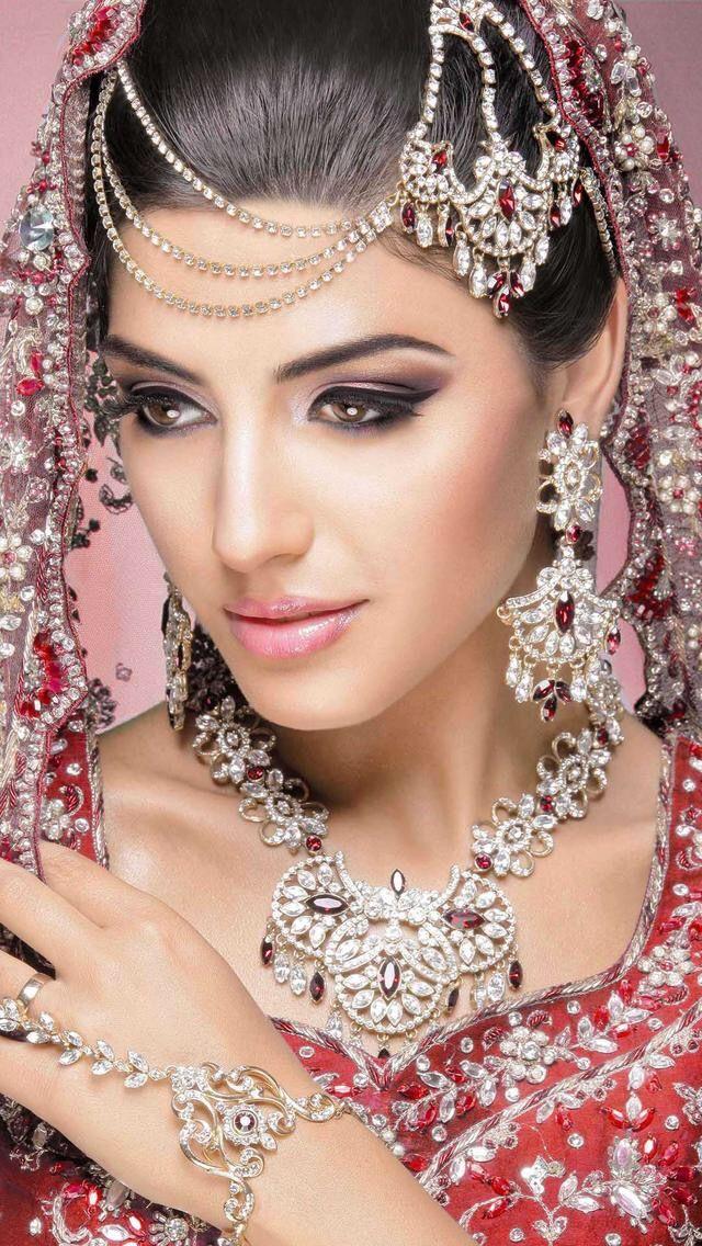 Épinglé par Hamamat Arryad sur Bijoux Beauté indienne