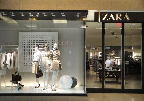 International Plaza And Bay Street Zara Retail Store Design Zara Retail Design