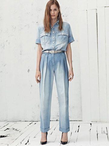 Tudo igual: pode ser jeans total, branco ou a cor hit da vez. No jogo da monocromia, você só tem a ganhar