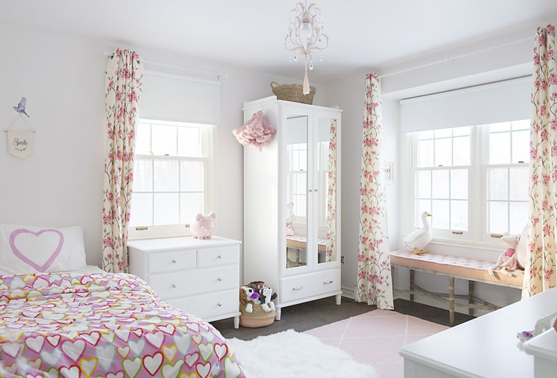 Modern princess bedroom for my 4 year old. Finally finished ...
