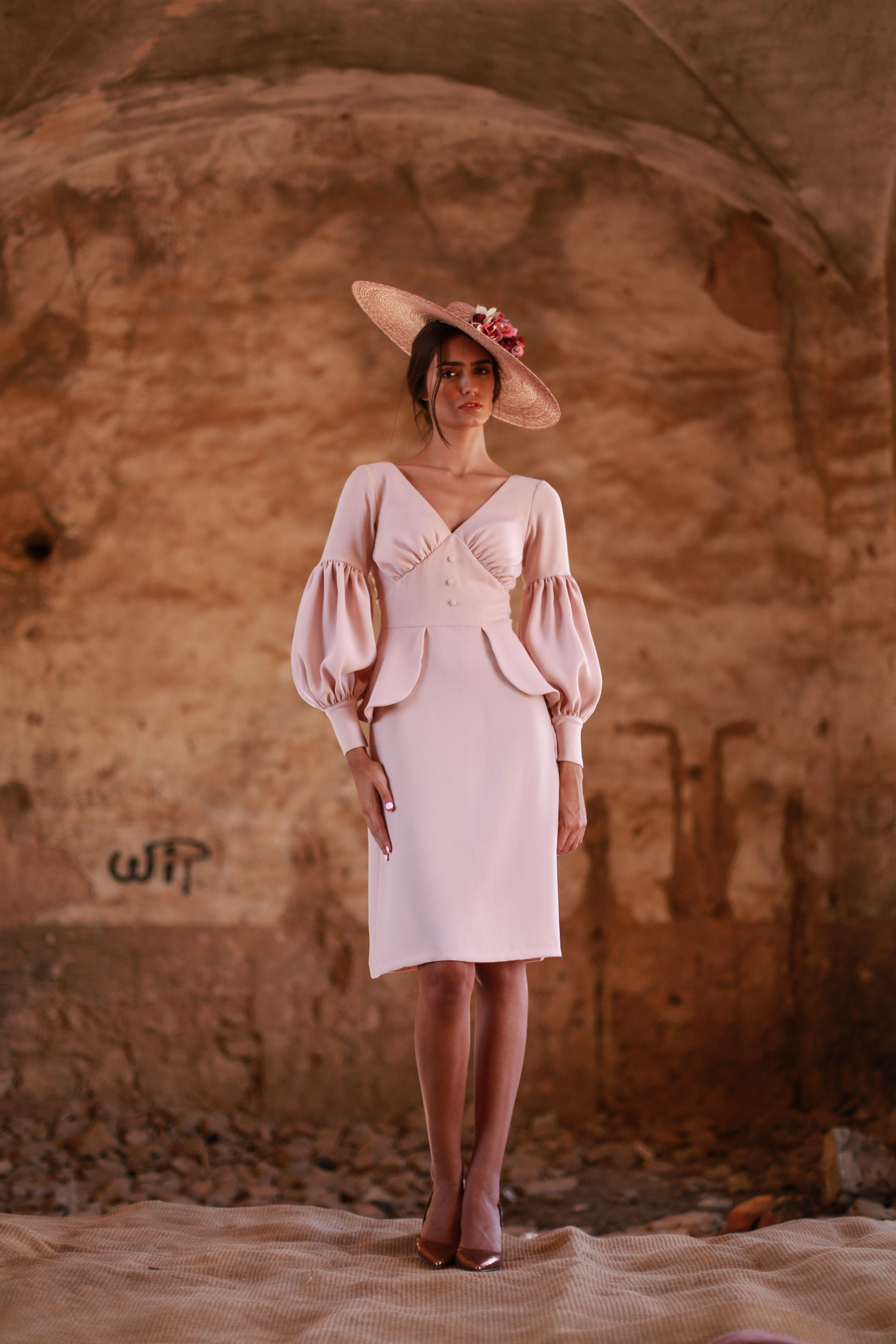 2efa3dd551 Vestido de fiesta corto en crep rosa