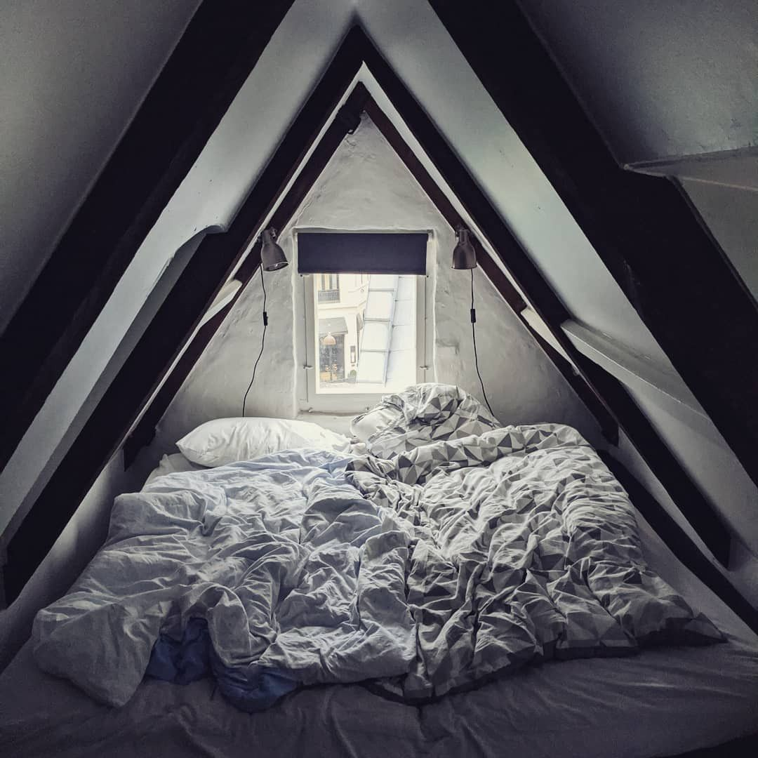 50 Cool Attic Bedroom Design Ideas Making Us Want To Move Upstairs Attic Bedroom Designs Bedroom Design Attic Bedroom Small