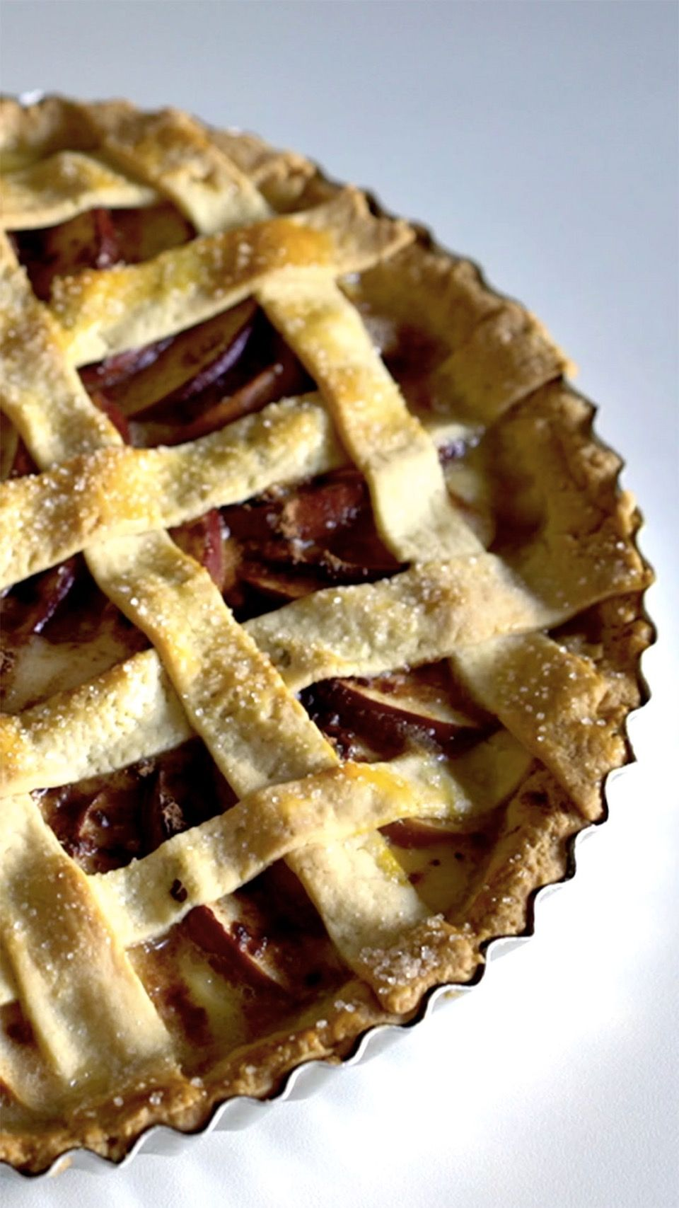 A torta de maçã é perfeita para acompanhar um chá durante a tarde.