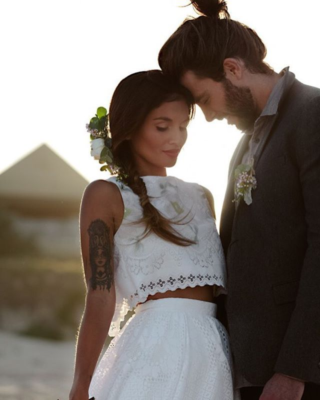 A pair of seriously stylish newly weds!! Get planning your own dream wedding on…