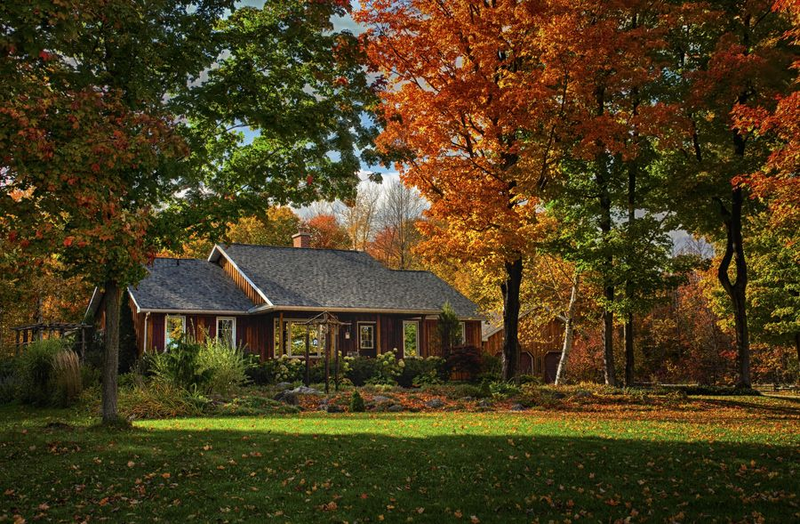 Ontario Fall Country Home