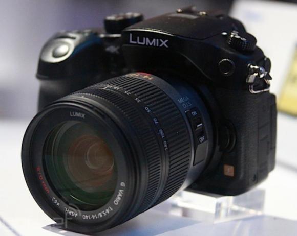 "2014 este anul ""4K"". Panasonic confirma asta si pregateste primul mirrorless capabil sa inregistreze 4K la 200Mbps: http://www.clubulfoto.com/panasonic-primul-mirrorless-4k/"