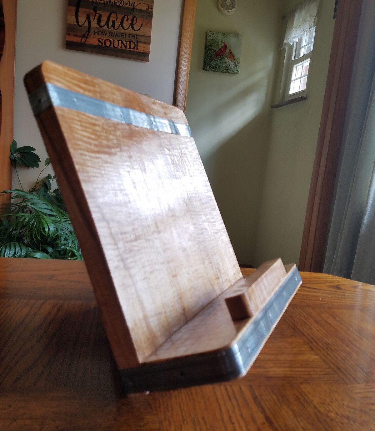 Incra Miter Gauge V120 Tablet stand, Simple cookbook