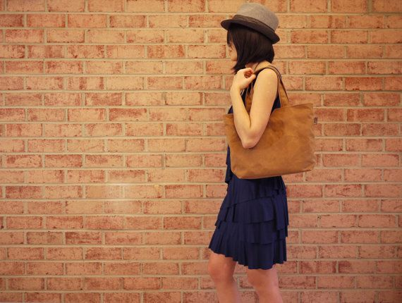 Waxed Canvas Medium Zipper Tote Messenger in Spice Vegan by solaWu