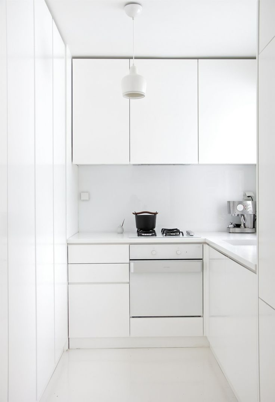 The 10 Commandments Of Every Minimalist Kitchen Tiny Kitchen Design Minimalist Kitchen Design Minimalist Kitchen Cabinets