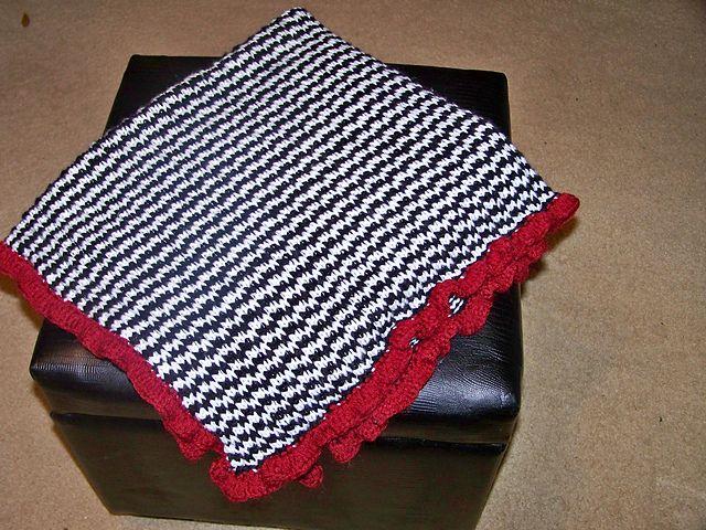 Houndstooth Blanket (With images) | Houndstooth blanket ...