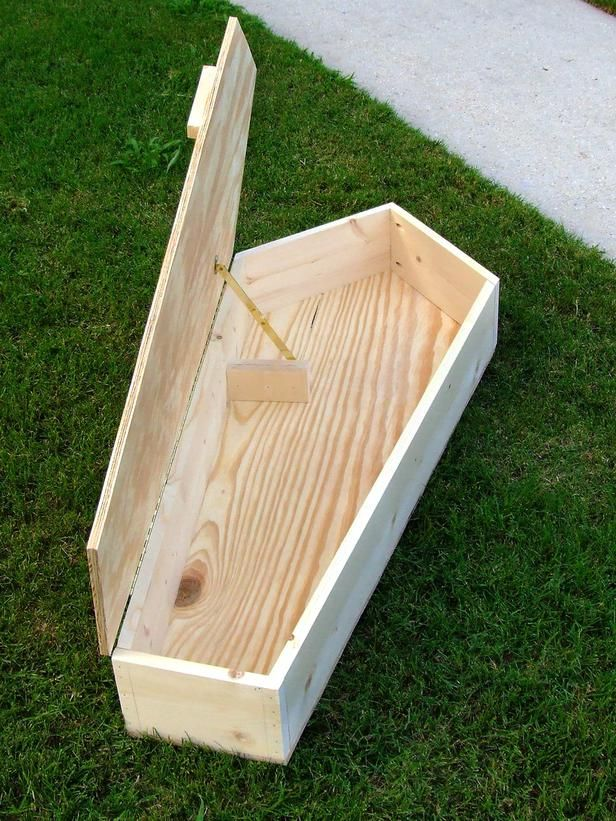 Halloween Decoration: How To Make A Miniature Coffin