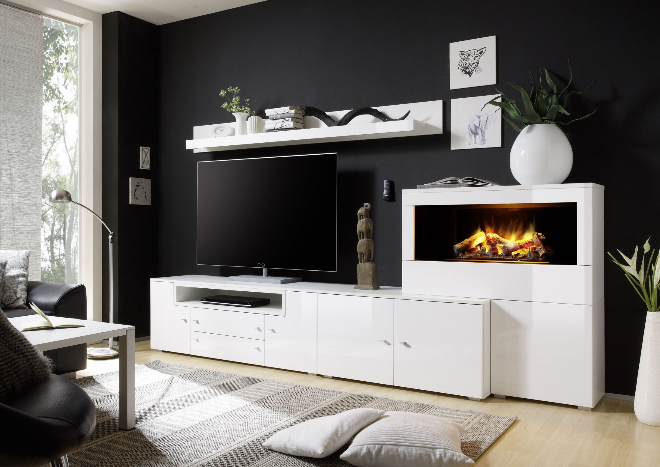 wohnwand in weiss hochglanz mit elektrokamin woody 16. Black Bedroom Furniture Sets. Home Design Ideas