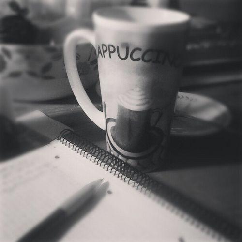 Una buena taza de té es la mejor compañía de las palabras, sobre todo en una mañana tan fría como esta