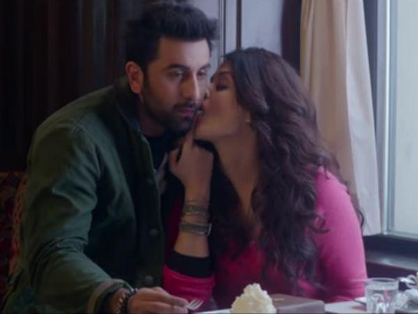 Ranbir Kapoor And Aishwarya Rai Bachchan Are Looking Hot Af In
