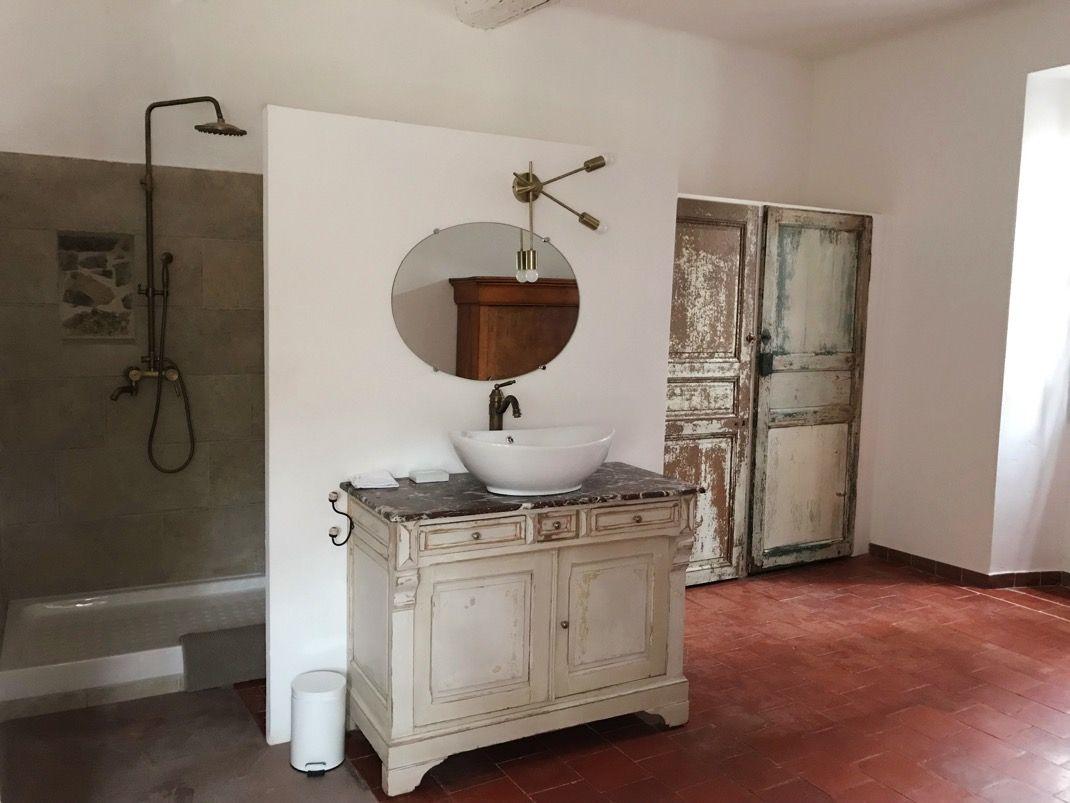 Salle De Bain Borgne mas entièrement réhabilité dans un pur respect des matériaux