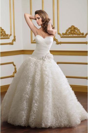 Ball Gown Sweetheart Luxurious Chapel Train Organza Wedding Dresses
